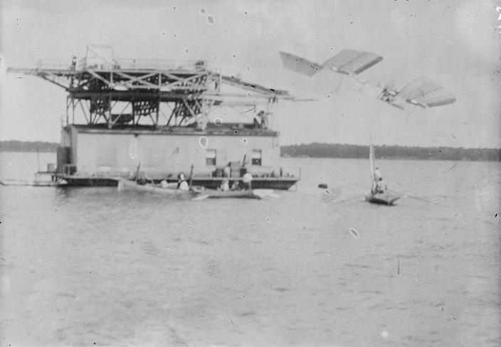 Samuel Langley's Aerodrome takes off over the Potomac River, October 7, 1903. It would promptly crash. (Source: LIbrary of Congress)