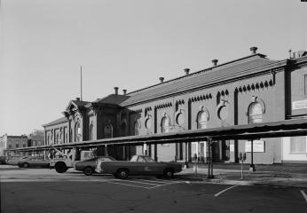 Historic image of Eastern Market Facade