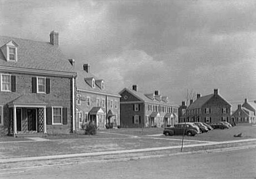 Homes in Fairlington, 1943. (Source: Library of Congress)