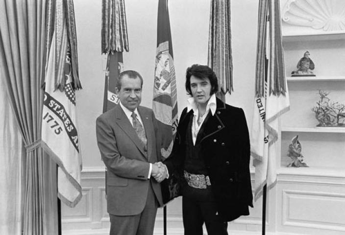 Elvis Presley and President Nixon in the Oval Office, December 21, 1970. (Source: National Archives)