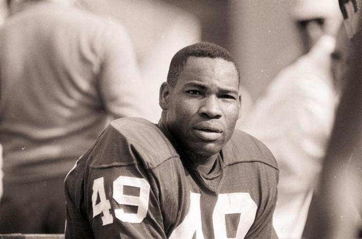 Hall of Fame football player Bobby Mitchell, the first African-American to play for the Washington Redskins. (Image source: Associated Press)