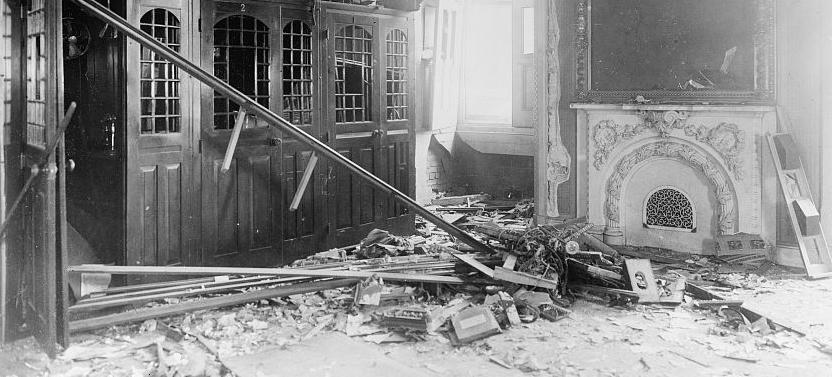 Bomb damage to US Capitol, 1915. (Library of Congress)
