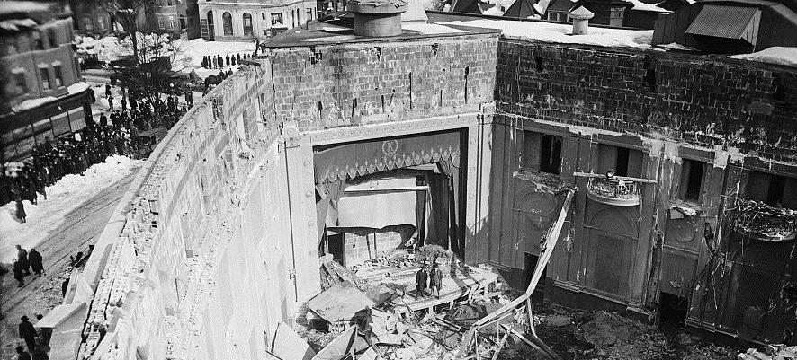Collapsed Knickerbocker Theater (Source: Wikimedia Commons)