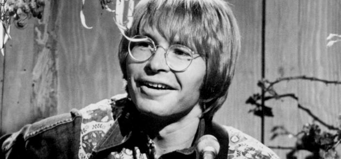 The height of John Denver's fame came after his songwriting collaboration with Fat City. (Source: Wikimedia Commons)