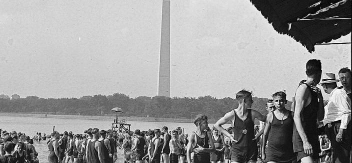 Swimmers of all ages enjoy the Tidal Basin Bathing Beach in 1922.
