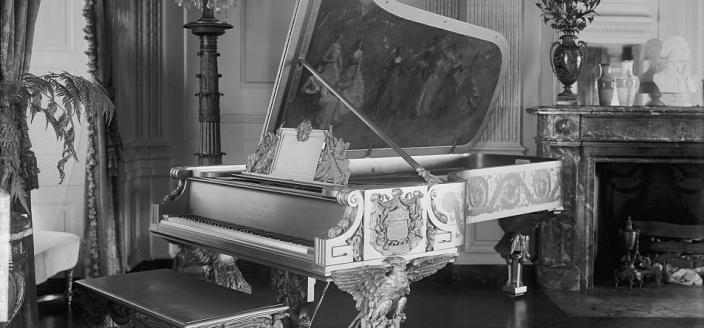 Gold Steinway in the East Room of the White House (Photo Source: Library of Congress)